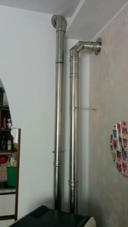 Installazione canna fumaria per stufa a pellet marchio Ravelli Milano tubazione 2
