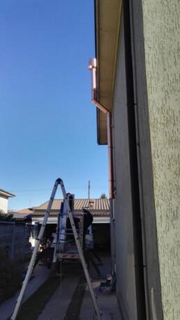 Installazione canna fumaria esterna in rame per stufa a pellet marchio Ravelli Busto Garolfo Milano